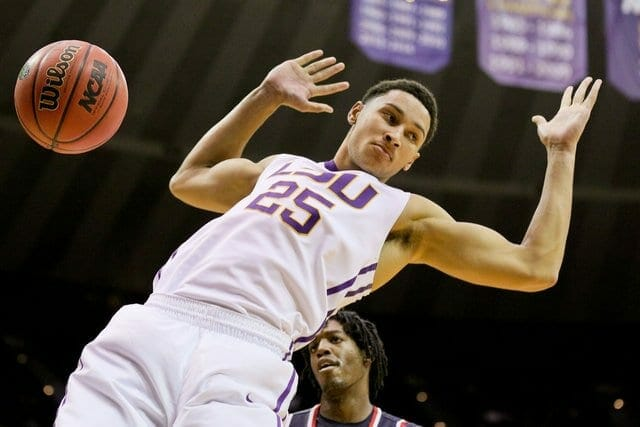 Ben Simmons On Snapchat: 'you Can Catch Me On The Lakers Next Year'