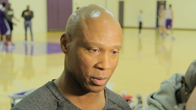 Lakers News: Byron Scott Wants His Team To Play Desperate (video)