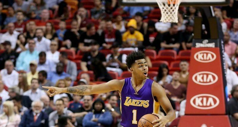 Lakers News: D'angelo Russell, Byron Scott Split Play Calling So Far