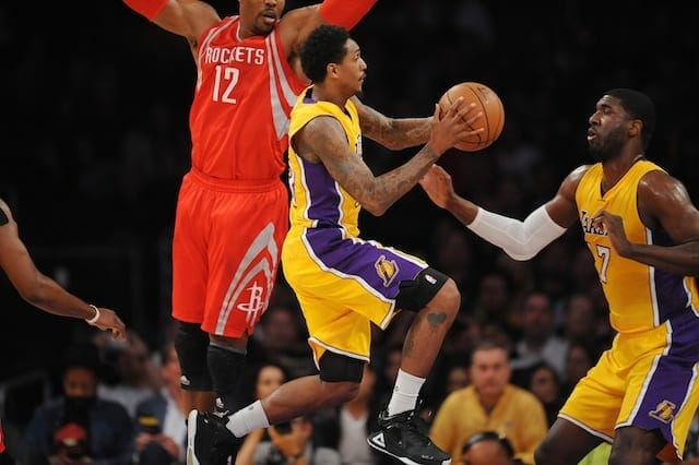 Game Recap: Kobe Bryant Excites Fans But Lakers Still Fall To Rockets