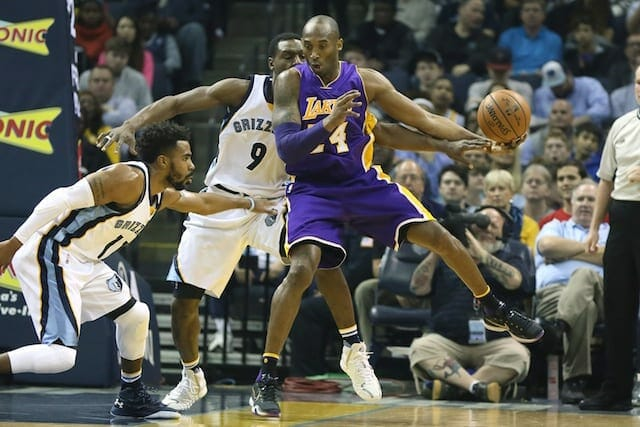 Lakers News: Kobe Bryant Dealt With Sore Knee In Loss To Grizzlies