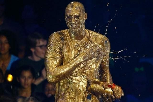 Lakers News: Kobe Bryant Drenched In Golden Slime At Nickelodeon's Kid's Choice Awards