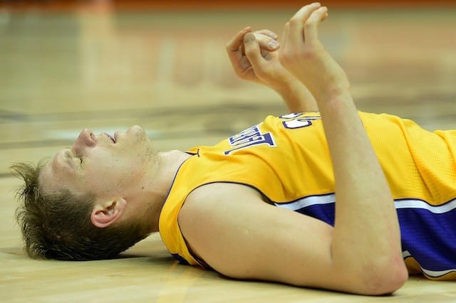 Lakers News: Timofey Mozgov To Play Vs. Hawks 'as Long As I Can See'