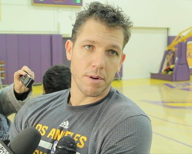 Luke Walton Weighs Factors In Deciding Whether To Break Up Lakers Bench