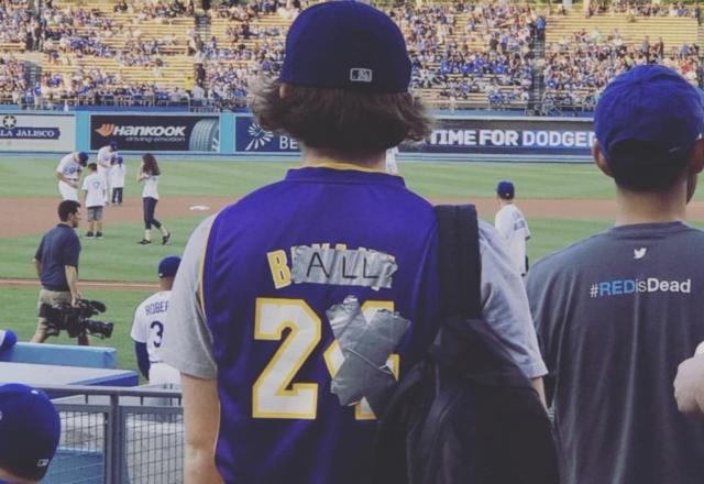 Lakers Video: Fan Alters Kobe Bryant Jersey To Represent Lonzo Ball