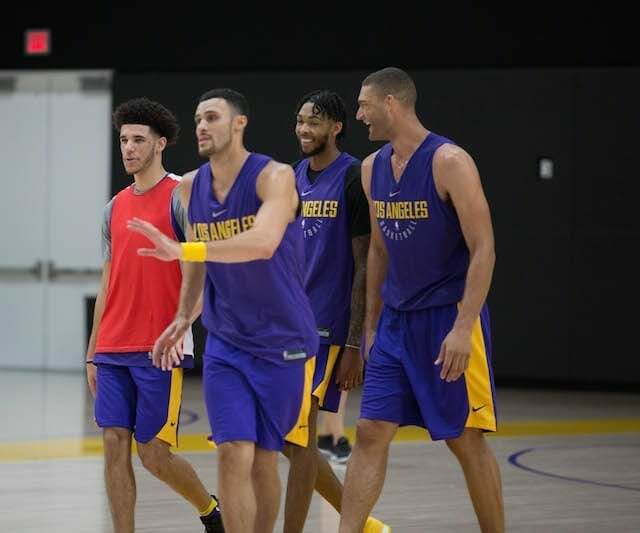 Lakerstrainingcamp-day-2-group