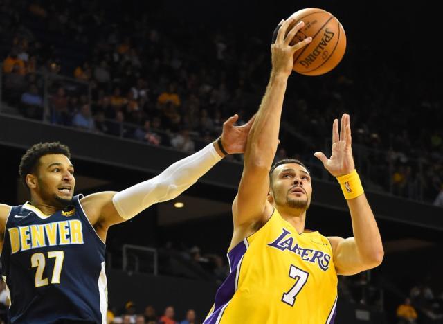 Lakers News: Luke Walton Still Unsure On Julius Randle Or Larry Nance Jr. Starting