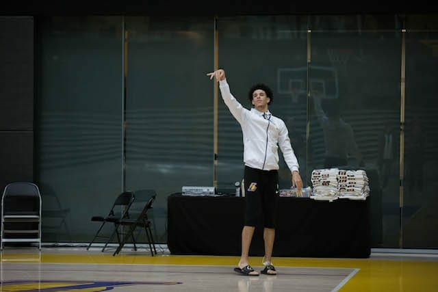 Lakers-practice-lonzo-ball-5309