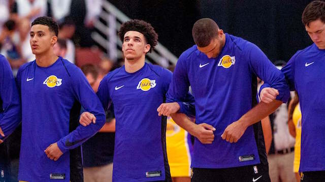 Lakers News: Team Once Again Links Arms During National Anthem At First Preseason Game