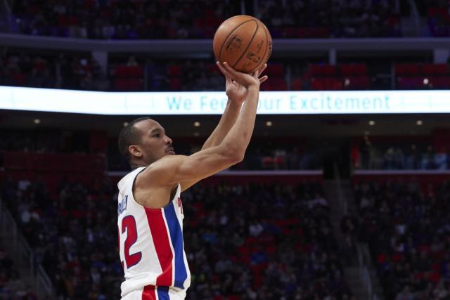 Avery Bradley, Lakers, Pistons