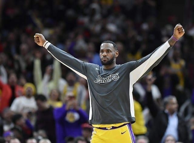Lakers News: Anthony Davis Says Lebron James Is Playing 'out Of His Mind'